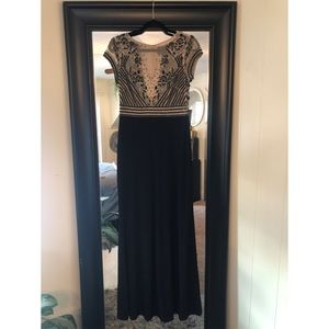NWT! Adrianna Papell beaded gown